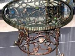 Декоративный кованый журнальный столик