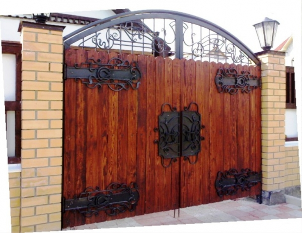Тесовые ворота.